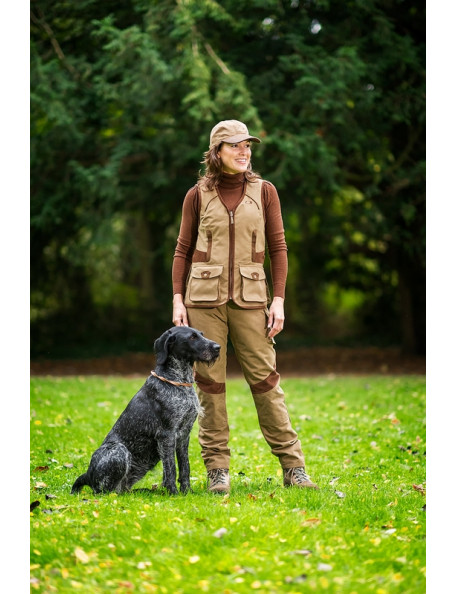 Dog trainer vest in classic country lifestyle - Chatham