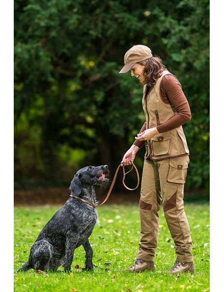Dog handler pants in classic country lifestyle – Villars